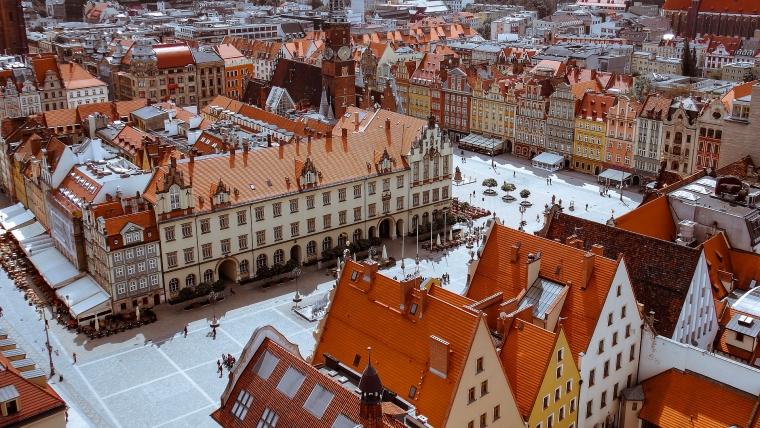 VOLUNTEERING IN POLAND